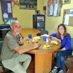 Raverta acompañó a los trabajadores de la Casa del Niño Rucalhué