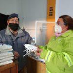 General Conesa: El Municipio entregó material sanitario a los comerciantes