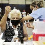El gobierno bonaerense dispuso la vacunación libre para mayores de 55 años
